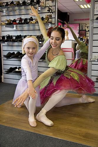 Millie Guthrie from the Louise Parkes School of Dance in Marlow poses with the lovely Teresa Saavedra from the Northern Ballet company.