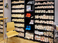 Professional pointe shoe fittings in the UK. No need to go to London, come to Dancers Boutique.